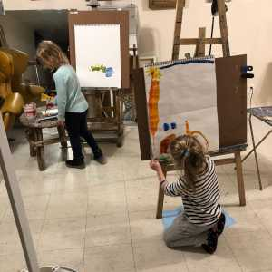 Develop Your Child's Creativity with Art Classes